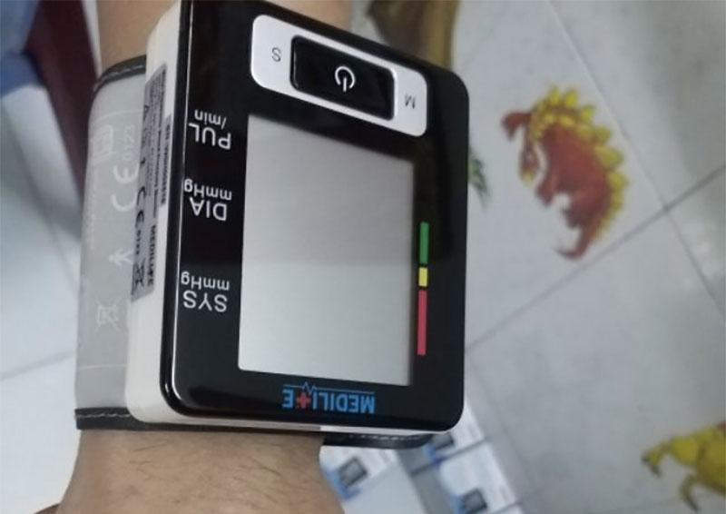 MDP là máy đo huyết áp dễ sử dụng bởi tính năng tự động rất hiện đại, phù hợp với người lớn tuổi
