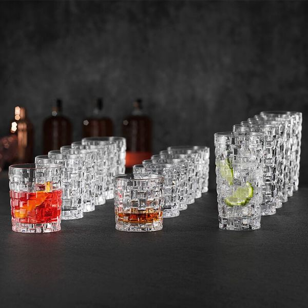 Bộ cốc pha lê Nachtmann Bossa Nova bao gồm 18 cốc pha lê có thiết kế ấn tượng.