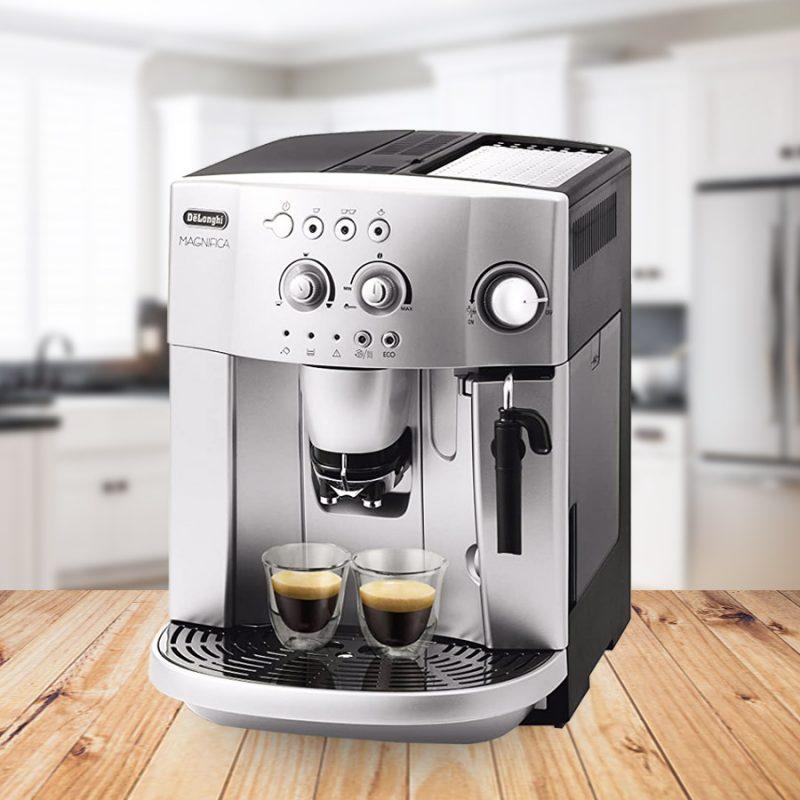 Máy pha cà phê có nhiều tiện ích sử dụng.