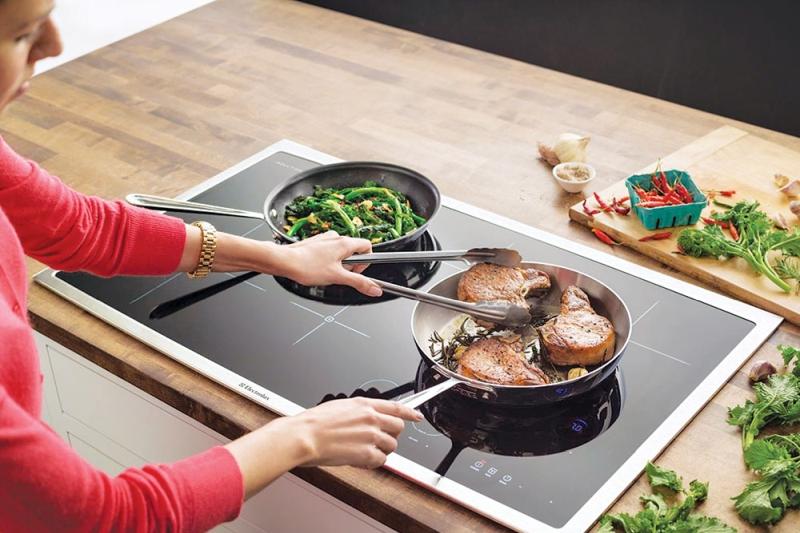 Bếp từ giúp bạn nấu nướng nhanh chóng hơn.