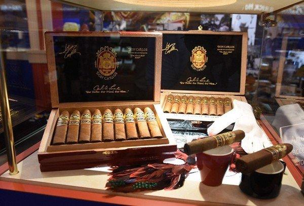 Cigar đắt giá Arturo Fuente Anniversario
