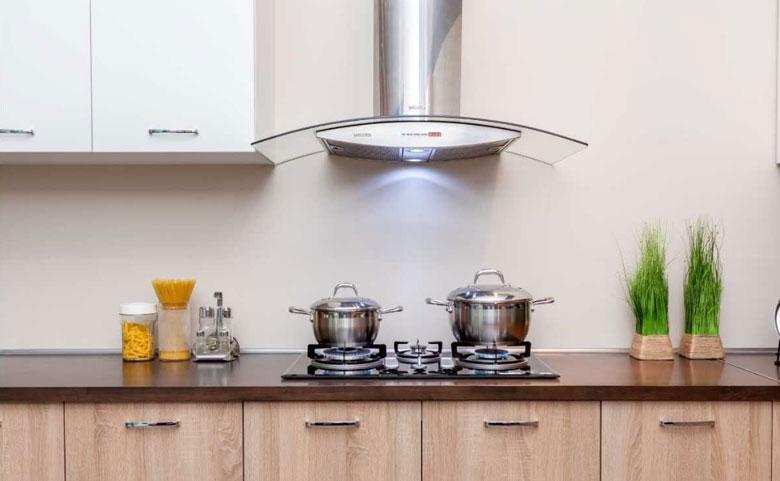 Máy hsut mùi sử dụng tiện lợi và rất dễ dàng vệ sinh.