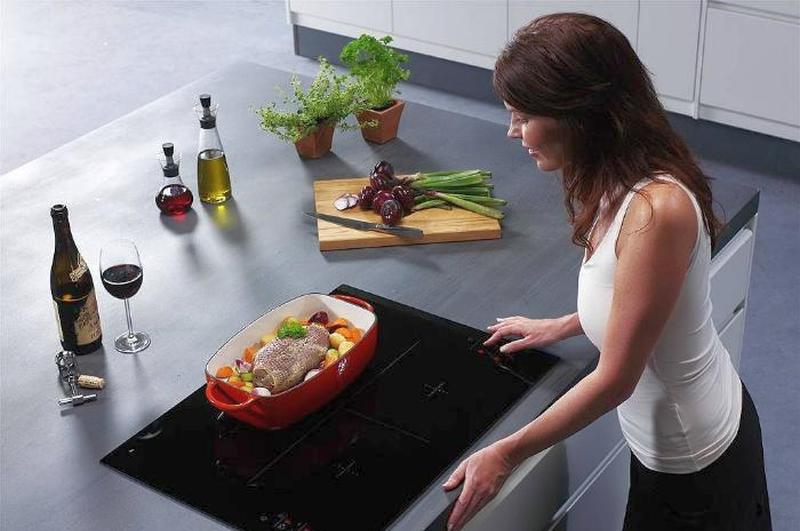 Sử dụng bếp từ rất đơn giản và tiện dụng.