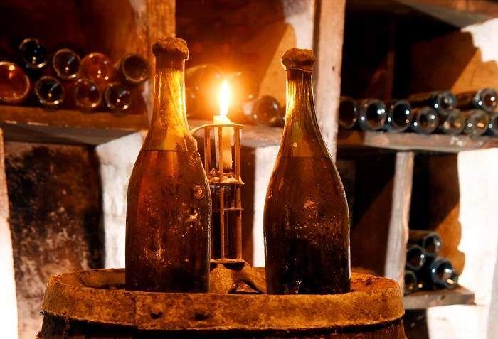 Chai rượu vang Romanee Conti 1945