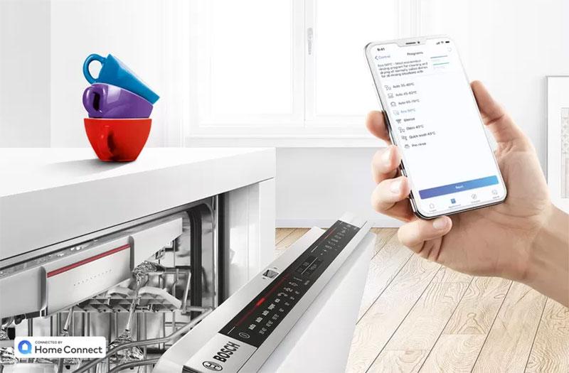 Máy rửa Bosch có thể dễ dàng điều khiển qua điện thoại di động