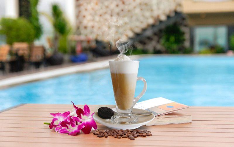 Một ly cà phê ngon sẽ khiến bạn hứng khởi hơn.
