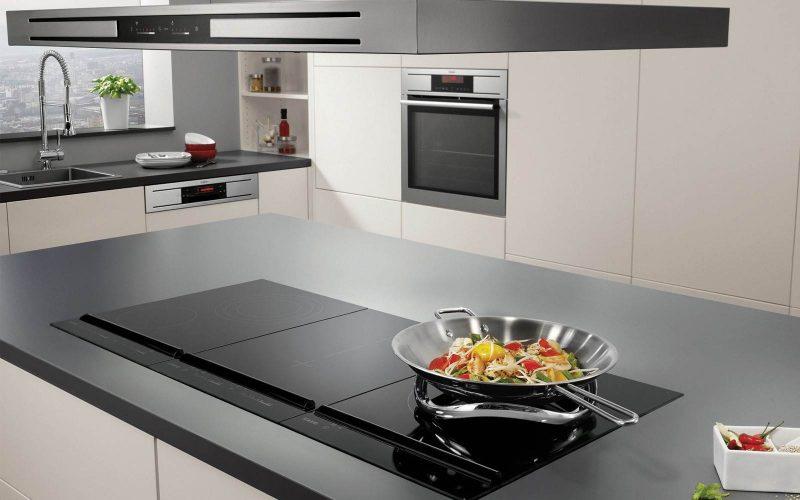 Bếp từ giúp nấu nướng an toàn hơn.
